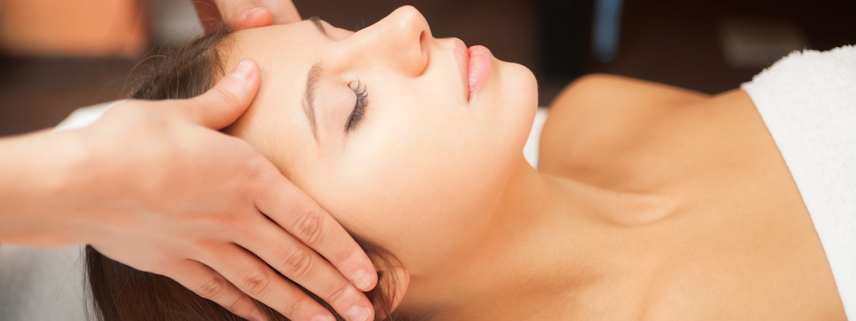 Facial Rejuvenation Natural Facelift Massage
